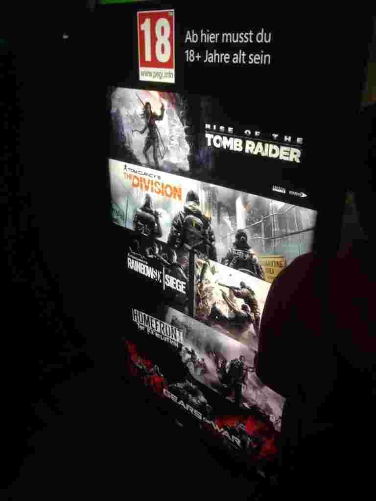 Взагалі у зоні Microsoft можна було пограти у все, що ми побачимо найближчим часом на консолях і ПК. Черги тут були не такі великі, як, наприклад до Star Wars: Battlefront чи Assassin's Creed Syndicate. А сам процес був організований чітко та зрозуміло. Молодці, Microsoft.