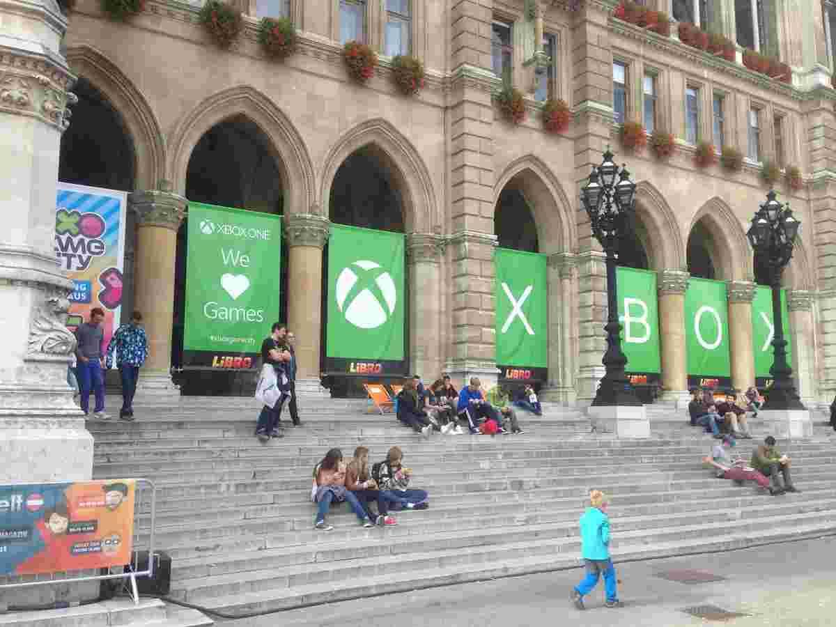 Непримирима боротьба маркетинґових бюджетів. Узагалі більшість події зробили саме Microsoft і Sony зі своїми зонами та ексклюзивами.