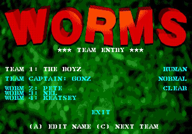 Гравець може перейменовувати назви команд та імена окремих черв'яків. Така персоналізація збережеться в серії надалі
