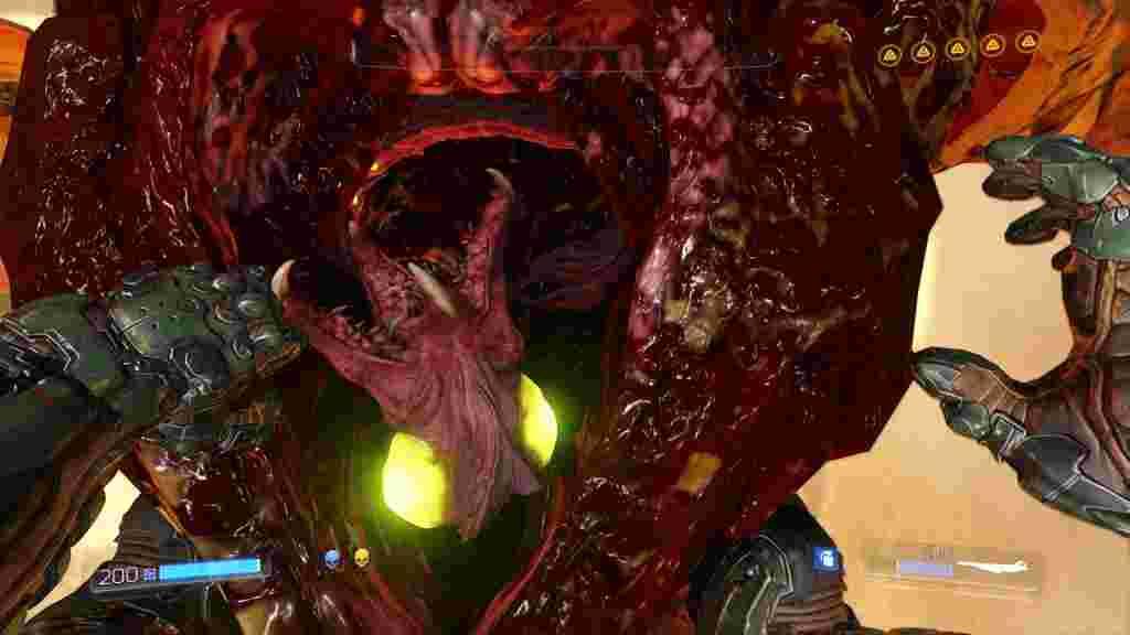 При цьому Doom не цурається багатьох лячних чи бридких подробиць розправи над демонами