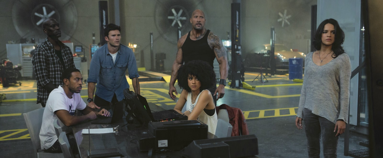 Форсаж 8 / The Fate of the Furious (2017)